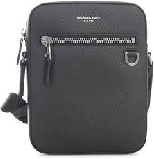 michael kors flight bag style