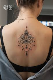 Tatuaz Z Wielorybem The White Rabbit Tattoo