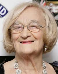 Actress Liz Smith: Started in Her 40s and Co-starred With Johnny Depp |  Later Bloomer