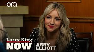 "It was a boys club for so long"": Abby Elliott on women in comedy ..."