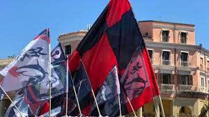 Crotone, la città si colora di rossoblu in vista del possibile ritorno in serie  A