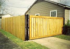 How A Fence Can Substantially Help Deter A Break In To Your Home Keeping You Safe With Home Business Security Tips News And Reviews