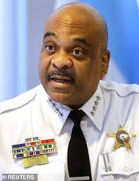Fired Chicago police chief Eddie Johnson caught kissing member of ...