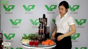 Trực tiếp ép Rau - Củ - Quả bằng máy ép trái cây Biochef 888 - YouTube