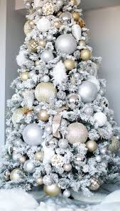 Pin by Madge Smith on Holiday Haydays! | Elegant christmas trees ...