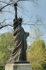 statue of liberty luxembourg free