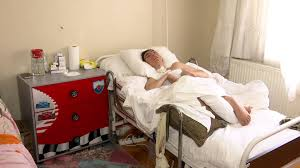 Kök hücre tedavisiyle ayağa kalkmak istiyor - İSTANBUL ...