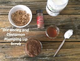 diy honey and cinnamon plumping lip scrub