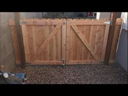 How To Build Welded Wire Or Mesh Fence Youtube