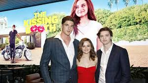 the kissing booth 2 release date cast
