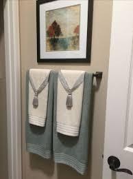 bathroom towel decor
