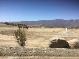 lake elsinore large public park in the