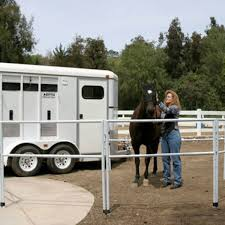 5 Horse Containment Options Horse Rider