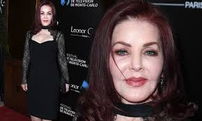 Elvis' ex Priscilla Presley, 74, looks incredibly youthful | Daily Mail  Online
