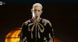 Sanremo 2020, abito di Achille Lauro finale Festival: stilista ...