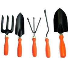 garden tools kit set of 5 rs 400