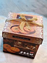 Bánh Hộp Nơ Hande Made 570gr - HCM Mart - Hoa Tươi - Trái Cây - Bánh Kẹo  Nhập Khẩu