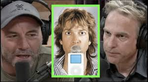 Adam Curry Was the First Podcaster | Joe Rogan - YouTube