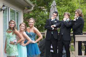 Pin by Myrna Bowman on Prom | Prom poses, Prom pictures couples, Prom  picture poses
