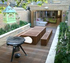 design ideas for your small courtyard