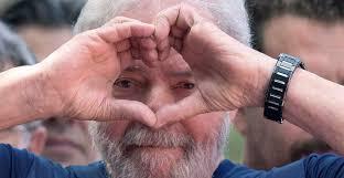 """ABC tacha de """"lujo"""" que Lula da Silva tenga """"agua caliente"""" en prisión"""