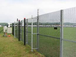 China Anti Climb Welded Square Fencing Panel Heavy Duty Metal Iron Wire Mesh Fence China Wire Fance