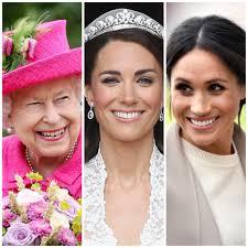 queen elizabeth does her own makeup