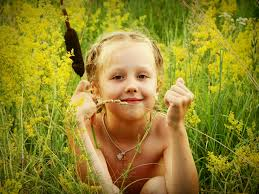 صور اطفال مضحكة بريئة كيوت