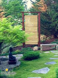 Beautiful Bamboo Fence Screens For A Japanese Zen Garden Japanese Garden Style Zen Garden Diy Japanese Garden Design