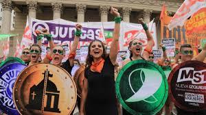 Buenos Aires: Pañuelazo frente a la Catedral | Día Internacional de la  Mujer, Aborto, femicidios, Frente de Izquierda, MST, Myriam Bregman