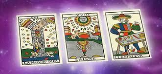 Comment choisir le jeu de tarot divinatoire qui vous ressemble ?