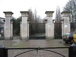 File:Abney Park Cemetery Main Gate.JPG - Wikimedia Commons