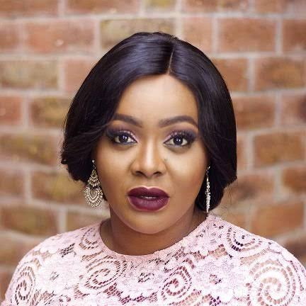 COMEDIAN HELEN PAUL WILL BE SHARING 20,000 EACH TO MEMBERS OF THIS PLATFORM THE CHANCE TO WIN  20, 000