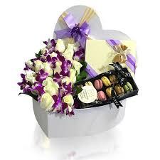 roses macarons gift box customized