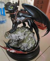 train your dragon toothless statue