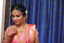 5 tips to choose a bridal makeup artist