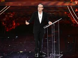 Sanremo 2020, Roberto Benigni: «Facciamo di più l'amore»