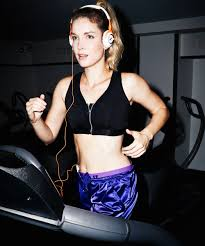 can you wear makeup while working out