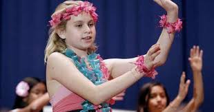 Roosevelt Elementary students performed the hula dance for charity - Los  Angeles Times