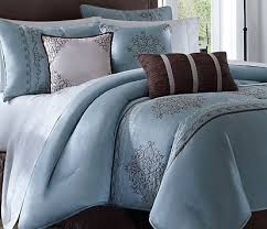 Quilt vs. Comforter - What is the Difference?