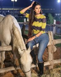 صور بنات على حصان لركوب الخيل متعة نفقدها الحبيب للحبيب