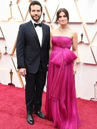 Oscars 2020: Idina Menzel and Husband Aaron Lohr Walk Red Carpet ...
