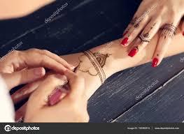 Tatuagem Do Henna Tradicional Fotografia Stokowa Tatuagem Do