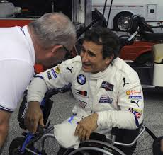 Alex Zanardi takes center stage as he wheels ...