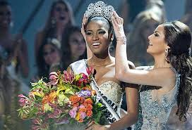 Angola's Leila Lopes is Miss Universe 2011 - Mshale