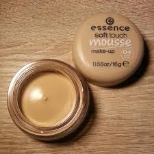 essence soft touch mousse 04 matt ivory