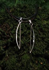 american longbow bow pendant in silver