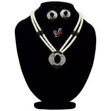 exclusive pearl necklace sets black