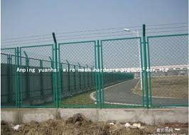 Pvc Coated Steel Wire Mesh Security Fencing Grid Structure Concise Stadium Expanded