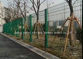 Peach Shaped Triangle Bent Fence Custom Iron Panels For Municipal Fence